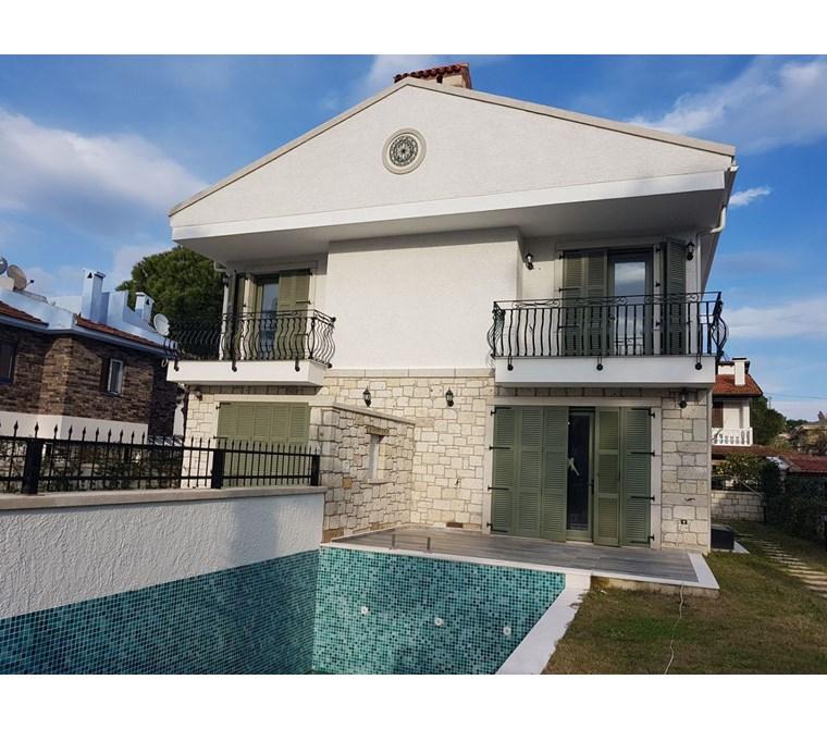 İzmir Çeşme Alaçatı Satılık Villa Taş Ev