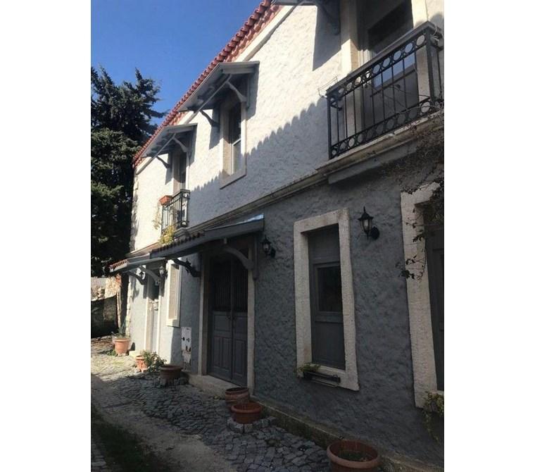 İzmir Çeşme Alaçatı'da Satılık Müstakil Taş Ev Villa