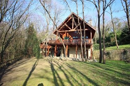 Kemer Country Kütük Evler'de Müştemilatlı ve Bakımlı Villa