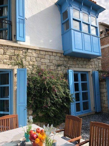 İzmir Çeşme Alaçatı Kiralık Taş Ev Villa