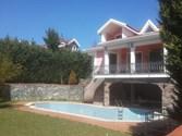 Silivri Kavaklı'da 1022 m² arsalı 500 m² satılık villa
