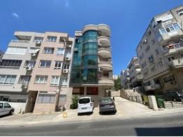 Göztepe Mithatpaşa Hakimiye milliye okul yakını otoparklı daire