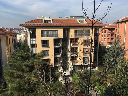 Flat for Rent  in Sarı Konaklar Compound