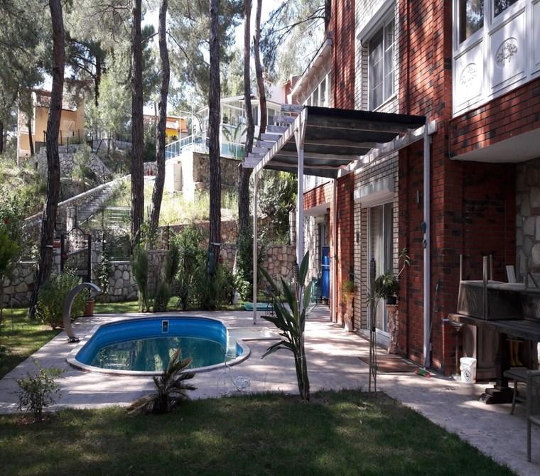 Acele Satılık Urla Çam Koza Konaklarında Satılık 4+2 Villa