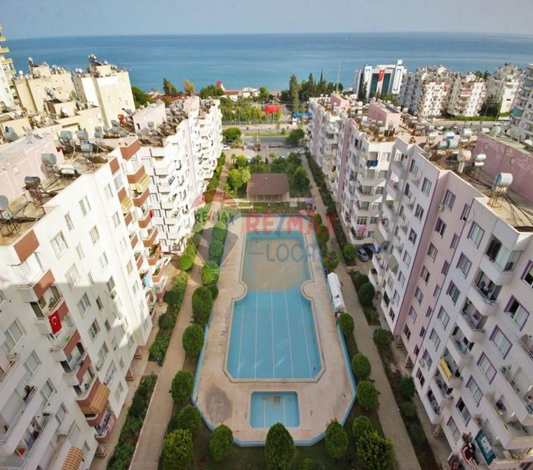 REMAX LOCA'DAN MEZİTLİ'DE SİTE İÇİ SATILIK 3+1