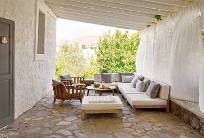 Gümüşlük Yalı Evleri'nde Bahçe İçinde Satılık Taş Ev