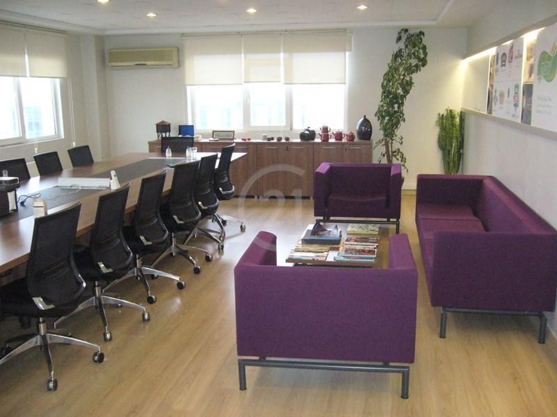 Century 21 | Bostancı da kiralık ofis katı 350 m² çok şık bakımlı  merkezi/6500,00 TL