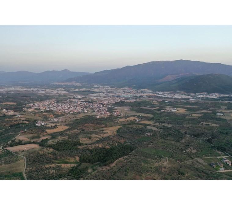 Kemalpaşa Ulucakta 10.040 m2 Tapulu Satılık Arazi