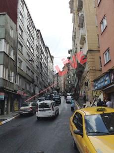 Beyoglu Evden Ömer Hayyam da 1+1 kiralık eşyalı daire