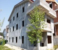 Demirci Villalar Bölgesinde Satılık Triplex Villa
