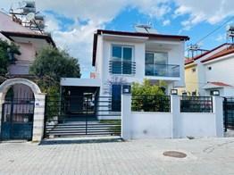 Fethiye Yeni Mh. Satılık Müstakil Villa 4+1 200m²