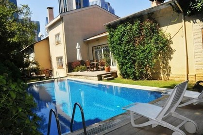 Levent'te Satılık Villa