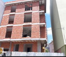 Alemdağ Caddesine Yakın Komple Bina