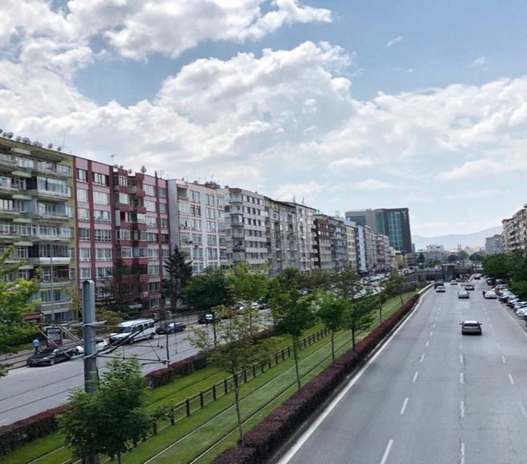 AKDAMAR - Sivas Cad. Forum Yakını Kiracılı Masrafsız Güney Cephe