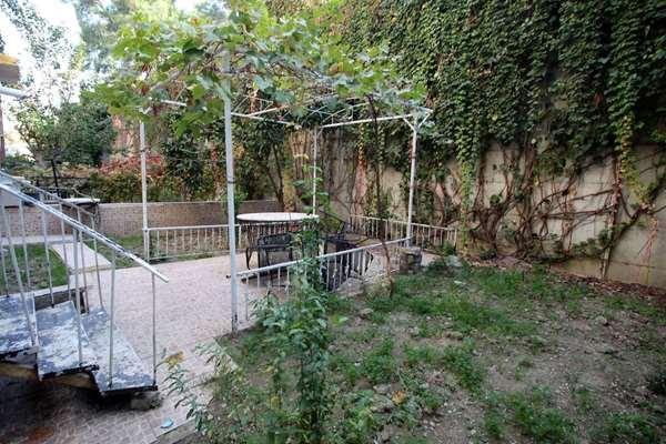 Eseenyalıda Göztepe Metro Yakını Bahçeli Doğalgazlı Daire
