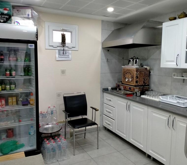 İzmir Konak Şehir Merkezinde iş Hanı içinde Satılık Dükkan
