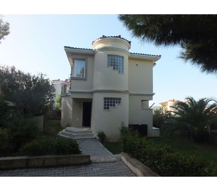 Fantastic Detached Fully Furnished 3 Bedroom Private Villa (comunıal pool)