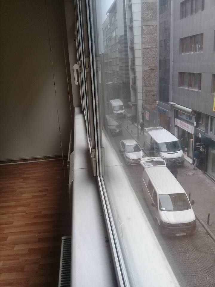 şişli metro ve hastane 500 m.cadde uzeri masrafsız daire