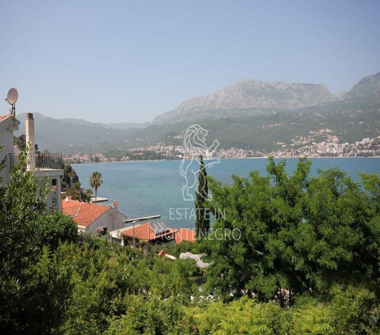 Njivice, Herceg Novi'de 36m² Satılık Deniz Manzaralı 1+1 Dai...