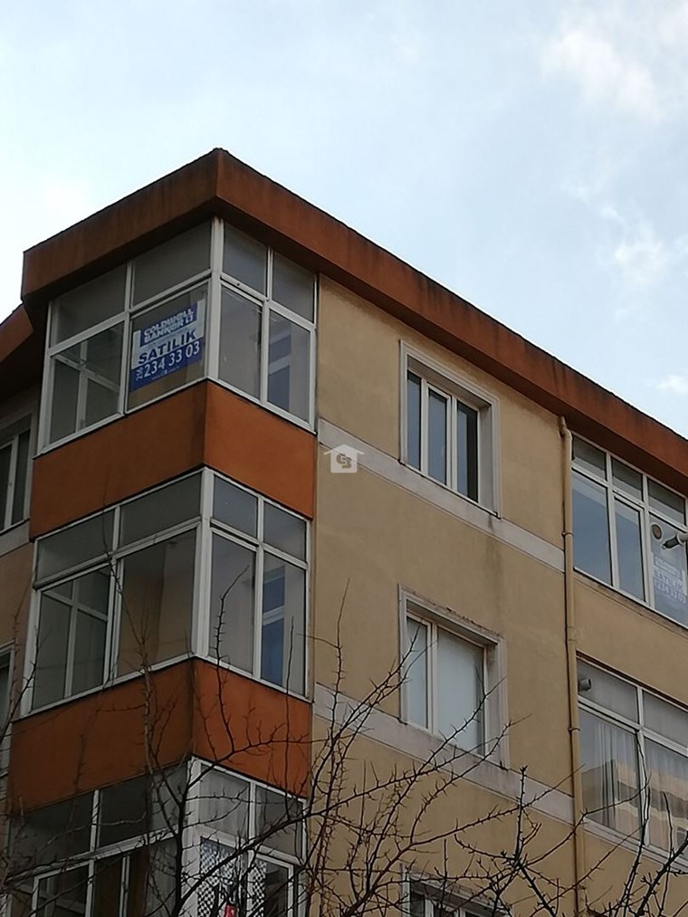 Bankadan Satılık İçereneköy 3+1 Daire