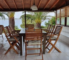 İzmir Çeşme Denize Yakın Sezonluk Kiralık Villa