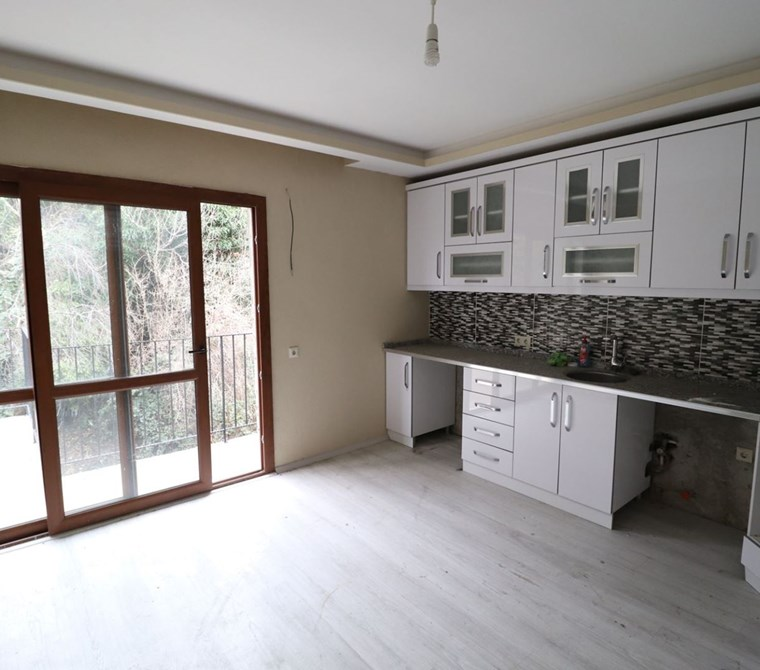 Kemalpaşa Kızılüzüm 'De Satılık 2+1 Mustakil Ev