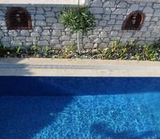 İzmir Çeşme Alaçatı Havuzlu Müstakil Kiralık Taş Ev Villa