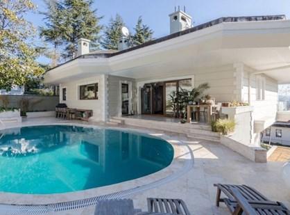 Emirgan'da Boğaz Manzaralı, Dekorasyonlu Satılık Müstakil Villa