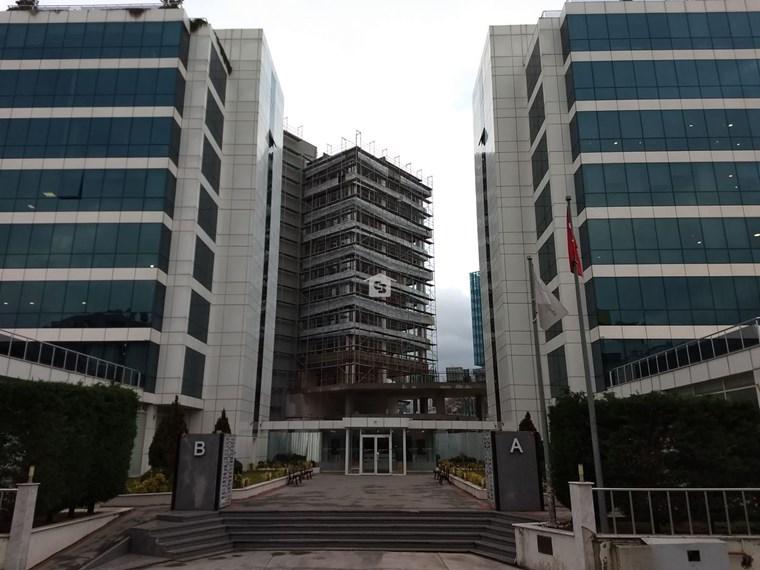 Bankadan Satılık Pendik'te Yakacık Metro yanında Prestijli Ofis