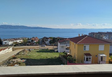Yalova Armutlu'da Leb-i Derya Deniz Manzaralı Tripleks Villa