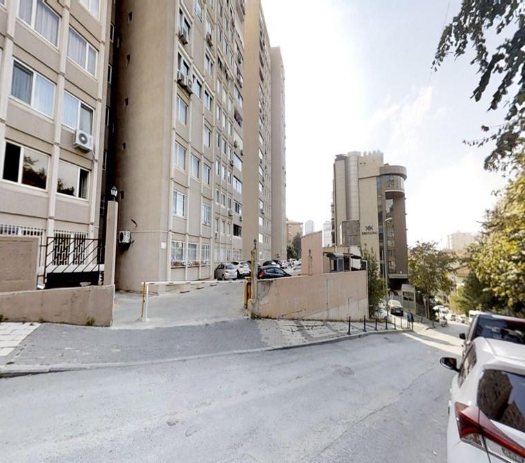 Gayrettepe/Beşiktaş Kent Sitesinde Ara Dubleks ''Mukadder Emlak