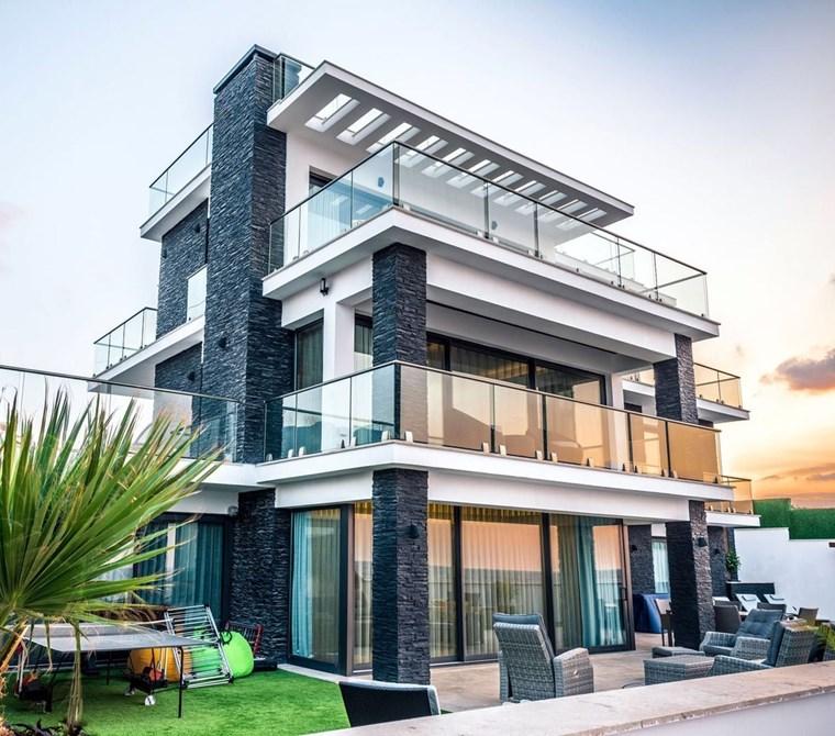 Muhteşem 5+1 deniz manzaralı Lüks Villa