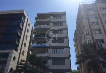 Saltak Caddesi Üzerinde Satılık 200m2 4+1 Ofis Katı