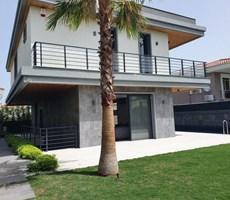 İzmir Çeşme Alaçatı Müstakil Havuzlu Satılık Müstakil Lüks Villa