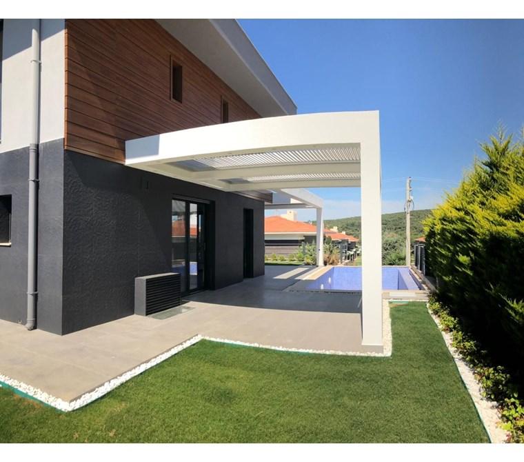 İzmir Çeşme Ardıç Satılık Villa