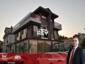 Ahmet YAZICI'dan Mordoğan'da Satılık 4+1 Bahçeli Teraslı Villa