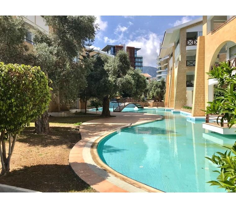 Patalena sitesinde kiralık lüks havuzlu 1+1 daire!