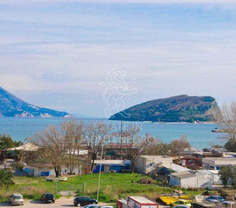 Budva'da Deniz Manzaralı Satılık Daire, 72m²