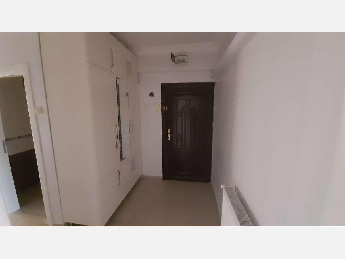 İZMİT MERKEZ 'DE ARA KAT 2+1 95 m² SATILIK DAİRE - 2