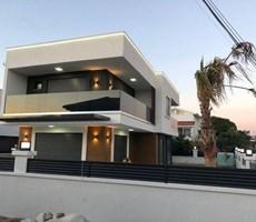 İzmir Çeşme Alaçatı Havuzlu Müstakil Satılık Lüks Villa