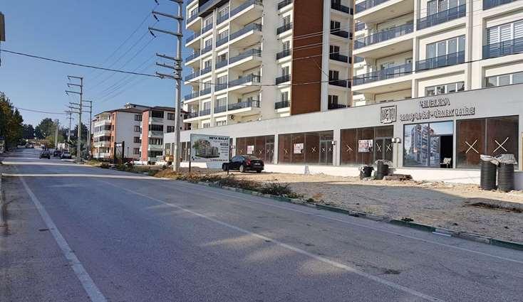 1977- ELFİ den BALAT NETA'DA SATILIK MERKEZİ 70 m² DÜKKAN