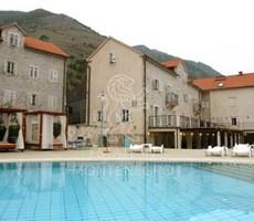 Kotor'da Satılık 4 Yıldızlı Otel