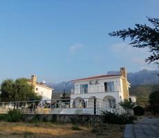 Girne Alsancak'ta 4+1 Havuzlu Villa