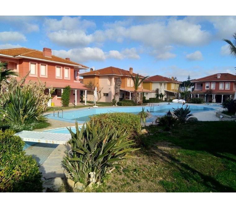 İzmir Çeşme Altın Yunus Site İçinde Müstakil Satılık Villa
