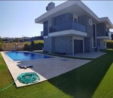 İzmir Çeşme Dalyan Havuzlu Müstakil Kiralık Villa