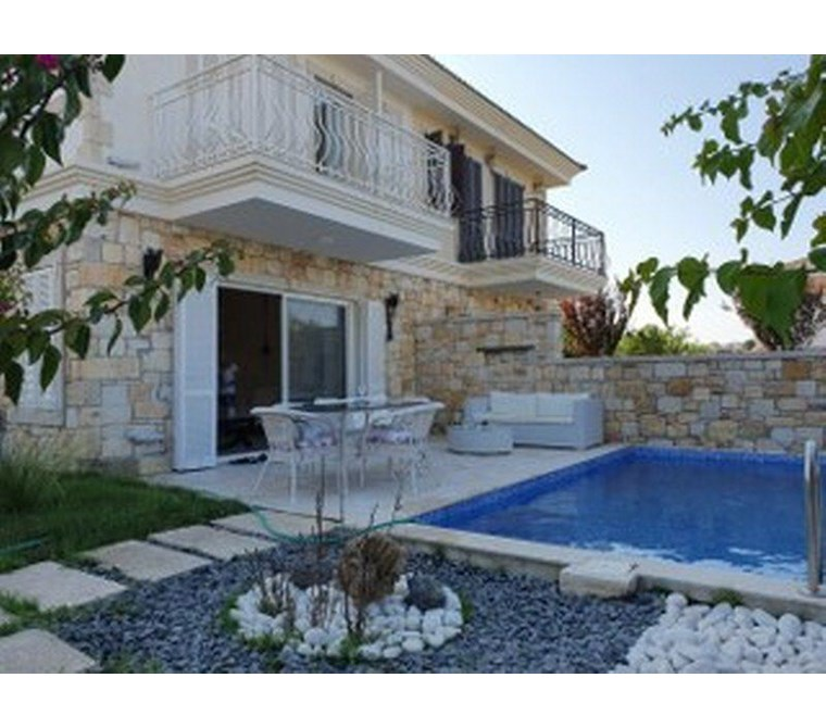 İzmir Çeşme Paşalimanı Satılık Denize Çok Yakın Villa