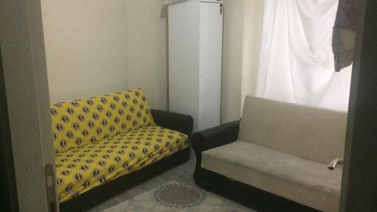 Gultepe Asansorlu 1+1 daire  paylasımlı Bay uygun kiralık oda