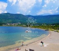 Kolardovo, Tivat'da 1160m² Satılık Deniz Manzaralı Kentsel A...