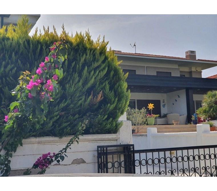 İzmir Çeşme Boyalık Denize Yakın Havuzlu Satılık Modern Villa