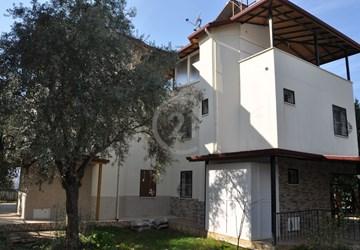 Aydın Didim Akbükte Satılık Denize 50 m Villa